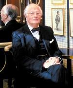 Hugh Wontner dies